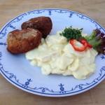 Kartoffelsalat med frikadeller - Kokken